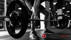 Pegar peso durante os treinos causa hemorroida?